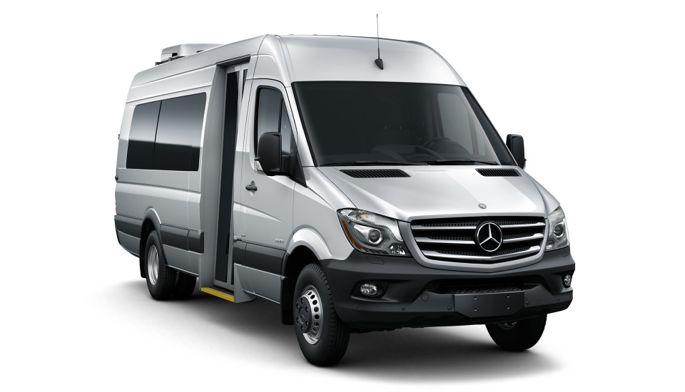 Image gallery mercedes minibus for Mercedes benz charter bus